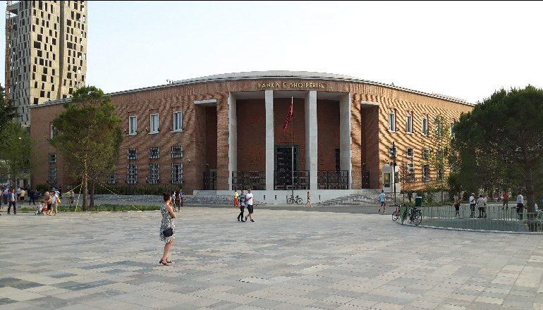 TREMUJORI I DYTË/ Banka Shqiptare: Ndjesia e ekonomisë është në rënie