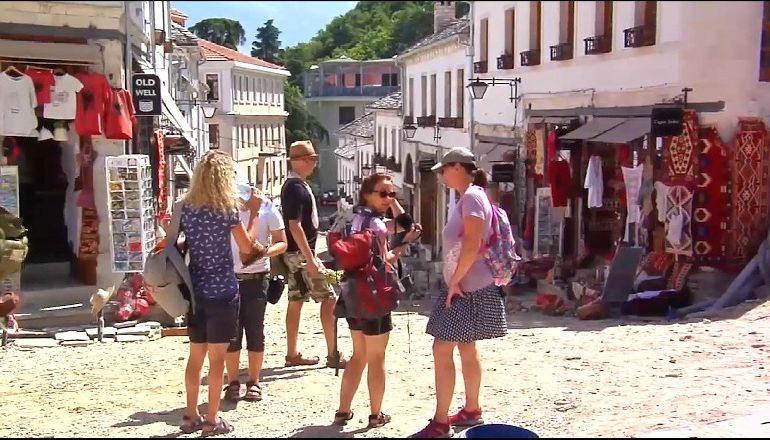DESTINACIONE/ Gjirokastra surprizon turistët e huaj: Do rikthehemi…
