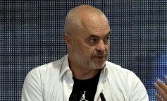 """PROJEKTI """"SMILE ALBANIA""""/ Rama: S'ka më maska, turistët në Shqipëri priten me buzëqeshje"""