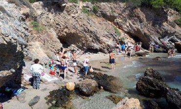 GREQI/ Tërmeti i fuqishëm lë pasoja, mbyllet plazhi i...