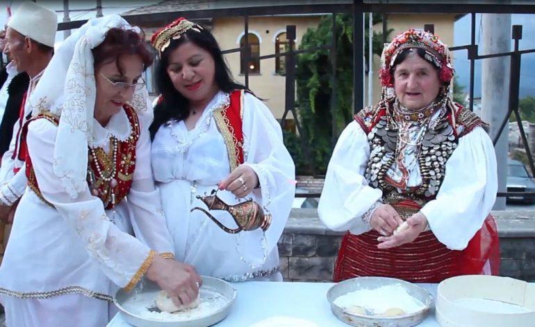 FESTA E BRUMIT NË GJIROKASTËR/ Prezantohen recetat dhe ritet e përcjella ndër breza
