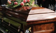E PABESUESHME/ Burri zgjohet në çastin që po varrosej