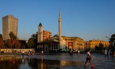 """AS PARISI AS AMSTERDAMI/ """"Standard"""": Dy qytetet më të preferuara të turistëve janë Tirana dhe Lviv për…"""