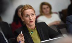 INSPEKTON BIZNESET NË VLORË/ Ministrja Denaj: Respektoni ligjin, jemi në mbrojtje...