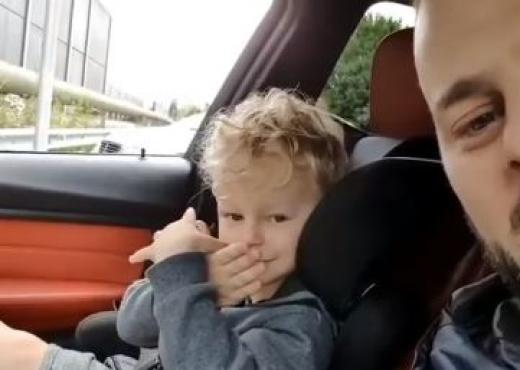 """""""JAM SHQIPTAR""""/ Videoja e vogëlushit në Zvicër bën xhiron në rrjetet sociale (VIDEO)"""
