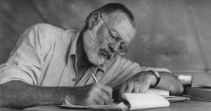 """FJALIMI I HEMINGUEJT KUR MORI """"NOBELIN""""/ """"Të shkruarit, në rastin më të mirë, është një jetë e vetmuar"""""""