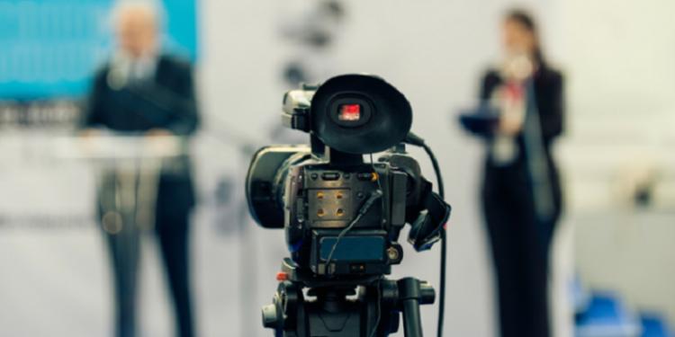 NDODH EDHE KJO/ Politikani refuzon intervistën me gazetaren, arsyeja po çudit botë