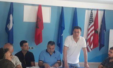 """PASI """"SHKËLQEU"""" NË SHKODËR/ Flamur Noka nis punën për të ringritur PD-në e Elbasanit... me 15 veta!"""