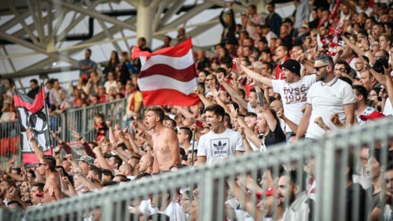 SKANDALI ME KUKËSIN/ Tifozët e Debrecenit: Vritini shqiptarët!
