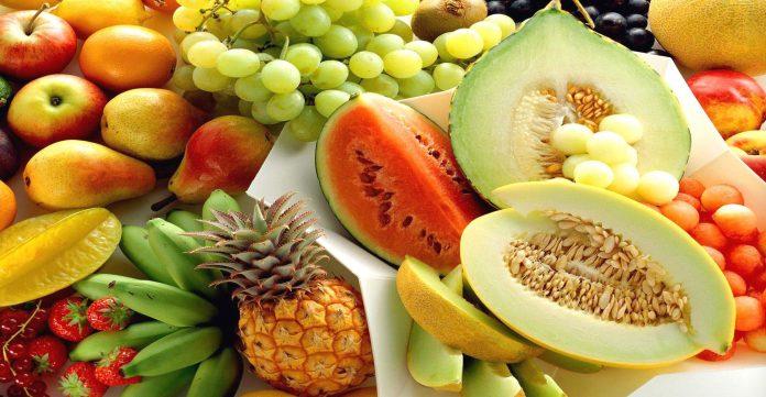 VAKTET GJATË VERËS/ Ja ushqimet me PAK kalori që mund të konsumohen pa frikë