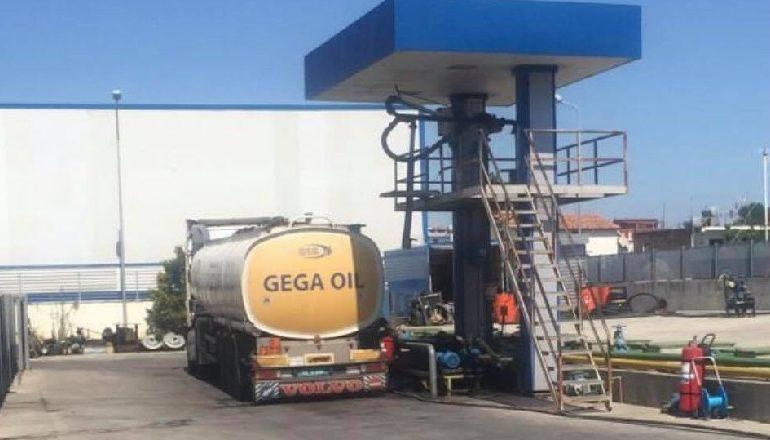 """""""ANTI-INFORMALITETI""""/ Bllokohet një tjetër biznes të madh, """"Gega Oil"""" gjendet me shkelje tek pompat"""