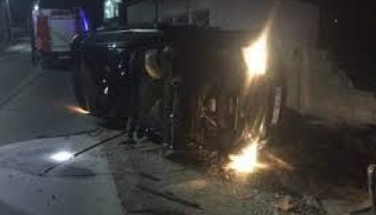 AKSIDENT RRUGOR NË TIRANË/ Makina përplas motorin pranë QSUT-së, plagoset një person