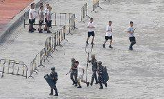 """TRAZIRAT/ Shenzhen, """"pirunë"""" gjigantë elektrikë kundër protestuesve në Hong Kong (FOTO)"""