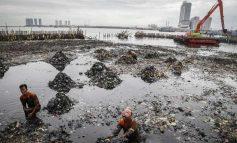"""TOKA """"PO JEP SHPIRT""""/ Xhakarta po fundoset nga pesha e ndërtesave në Indonezi (FOTO)"""