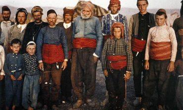 PAS RËNIES SË PERANDORISË OSMANE/ Ja si jetonin shqiptarët. Fotot nga koleksioni i bankierit milioner francez