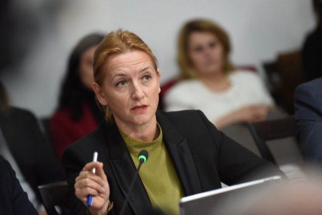 ANTI INFORMALITETI/ Ministrja Denaj: Javën tjetër emrat e kompanive abuzuese