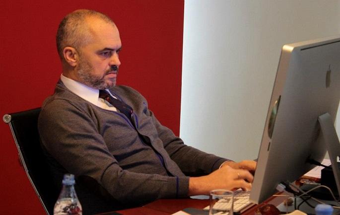 """SMS QË MORI ZGJIDHJE/ """"Dhe Edi Rama të vijë këtu, nuk bëhet gjë"""", i riu-kryeministrit: Më telefonoi… (FOTO)"""