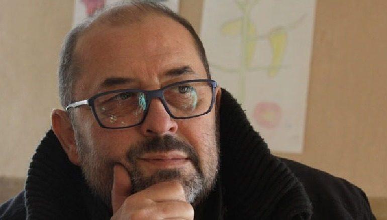 ARTI SHQIPTAR NË ZI!/ Ndërron jetë në moshën 56- vjeçare regjisori Gjergj Xhuvani