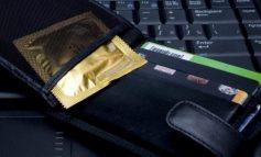 KUJDES! Pasi ta lexoni këtë, ju kurrë më nuk do e mbani prezervativin në kuletë