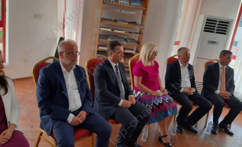 NIS KONSTITUIMI I KËSHILLIT BASHKIAK TË LEZHËS/ I pranishëm edhe kryeparlamentari i Maqedonisë (FOTO)