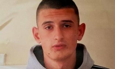 """""""DO DAL TË TAKOJ CA SHOKË""""/ Zhduket 16-vjeçari shqiptar në Angli. Policia, apel për ndihmë (EMRI+FOTO)"""