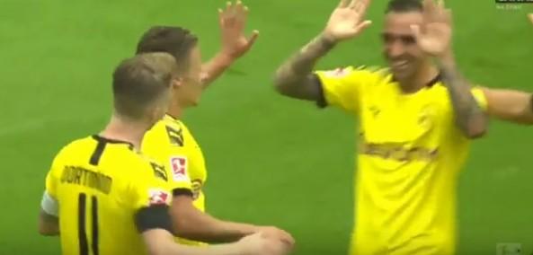 """SHKAKTOHET """"TËRMET"""" NË BUNDESLIGA/ Dortmund realizon 3 gola për 8 minuta, ja """"perlat"""" (VIDEO)"""