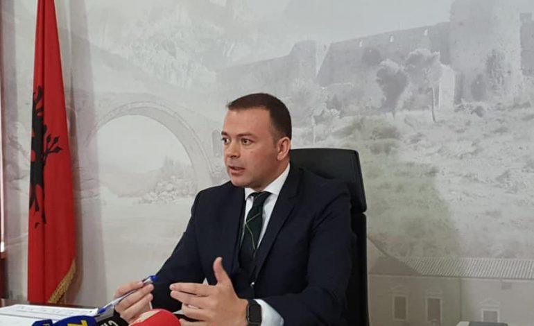 """""""PD BËN SIKUR E HARRON""""/ Koço Kokëdhima: Valdrin Pjetri ishte drejtor edhe në kohën e Berishës"""