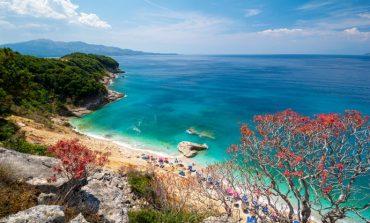 """""""NËSE ËNDRRAT TUAJA...""""/ Zoereport: Riviera Shqiptare të lë pa frymë"""