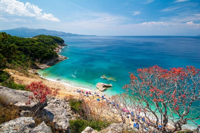 """""""NËSE ËNDRRAT TUAJA…""""/ Zoereport: Riviera Shqiptare të lë pa frymë"""
