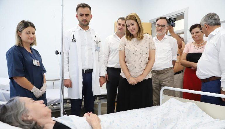 MBAJTËM PREMTIMIN/ Manastirliu në Mallakastër: Fratari me qendër të re shëndetësore