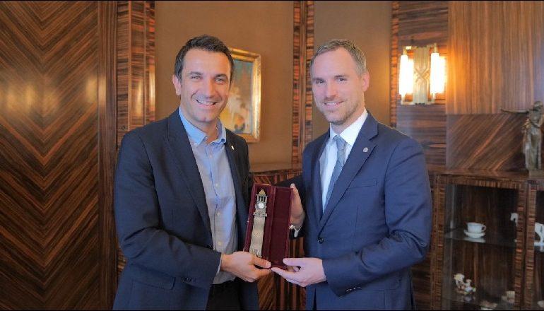 PRET VELIAJN/ Kryebashkiaku i Pragës: Përgëzoj qytetarët e Tiranës për kryetarin energjik