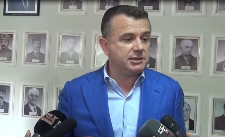 SITUATA POLITIKE/ Balla i shtrin sërish dorën opozitës: Takimi Meta-Basha, jo lajm (VIDEO)