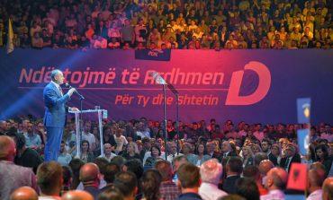 ZGJEDHJET/ Hoxhaj tregon me kë do të bëjë koalicion PDK pas 6 tetorit, i përgjigjet dhe Haradinaj