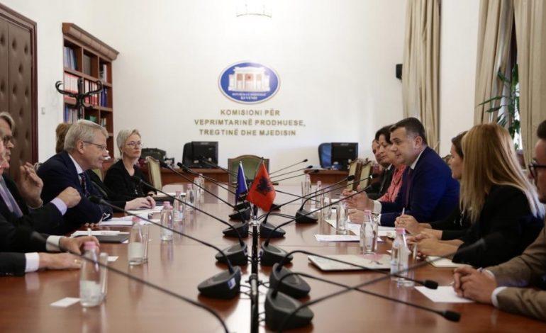 SHKARKIMI I METËS/ Pas takimit me delegacionin e Venecias, Balla: Procedura e hetimit për Presidentin…
