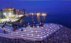 GJITHNJË PLOT/ Shkrepja e ditës nga Durrësi në mbrëmje