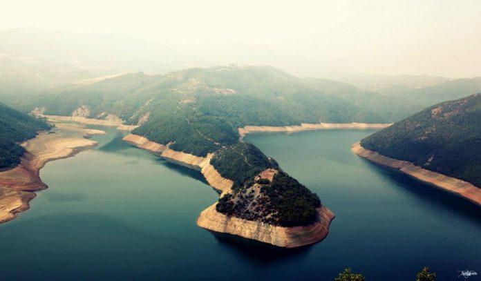 NJË LAJM I MIRË/ Liqeni i Fierzës shpallet zonë bashkëmenaxhuese peshkimi