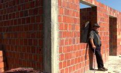 TAKSA QË I NDAN SHQIPTARËT/ Banorët e veriut të Shqipërisë blejnë vetëm ushqime në Kosovë