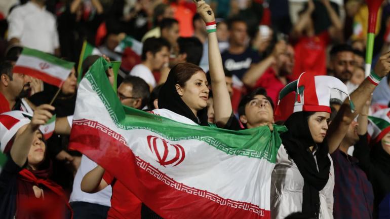 DORËZOHET IRANI/ Pas 40 vitesh femrat mund të hyjnë në stadium