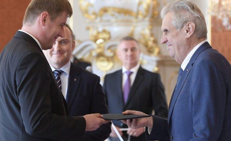 """""""DO VAZHDOJMË TË MBËSHTESIM…""""/ Ministri i Jashtëm çek nxjerr blof presidentin e tij për Kosovën"""