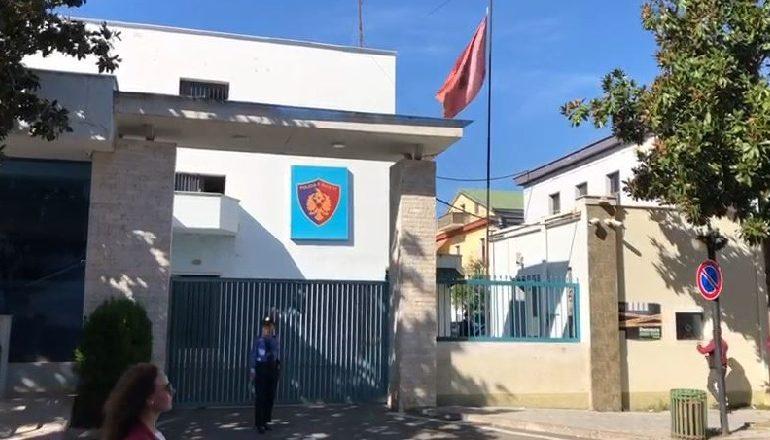 ZBARKON NË ELBASAN/ Ardi Veliu takim me strukturat e larta të drejtorisë së policisë