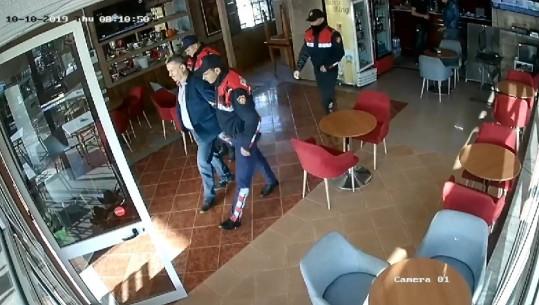 PROTESTA E UNAZËS SË RE/ Policia ndalon tre persona, në kërkim 4 të tjerë (VIDEO)
