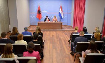 GARANTIMI I INTEGRITETIT/ Balluku dhe ambasadorja Altes firmosin memorandumin e bashkëpunimit: Udhërrëfyes për...