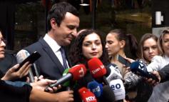 """""""KANDIDATURA E SAJ FRYMËZOI...""""/ Çfarë mendon Albin Kurti për Vjosa Osmanin"""