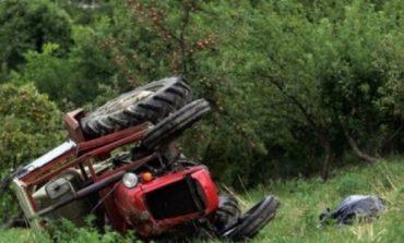 TRAGJIKE/ Përmbyset traktori, një i vdekur në Urën Vajgurore
