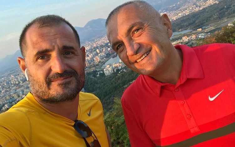 """""""GAZETARI I PAVARUR ÇIM PEKA NUK ZË MEND""""/ Portali i tij SYRI.NET, publikon sërish fakenews (FOTO)"""