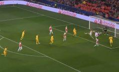 CHAMPIONS/Olainka i pafat, shënon autogol dhe i jep avantazhin Barcelonës (VIDEO)