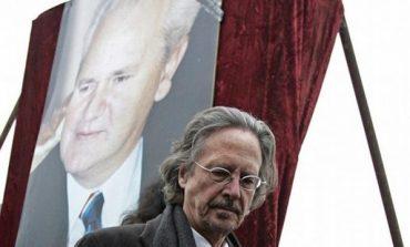 ADHUROI DERI NË VDEKJE MILLOSHEVIÇ/ Kush është shkrimtari antishqiptar që fitoi çmimin Nobel