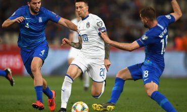 LIVE/ Po luhet ndeshja Itali-Greqi. Nis pjesa e dytë