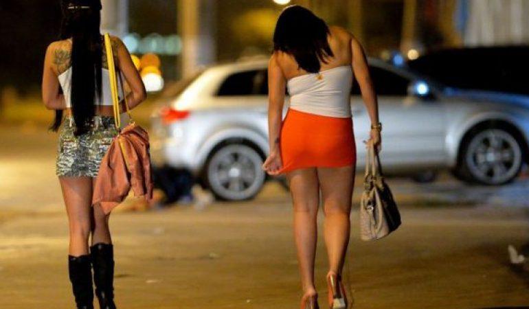 """""""BËRA SEKS ME DY, Ç'ËSHTË KJO 10 EURO ORA…""""/ Dalin bisedat e rrjetit të prostitucionit në Tiranë"""