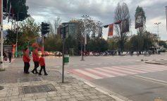 """TIRANA VISHET """"KUQ E ZI""""/ Përballja me Francën krijon atmosferë në kryeqytet (FOTOT)"""